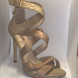 Guess Strappy alligator Print Heel - Gold hardware